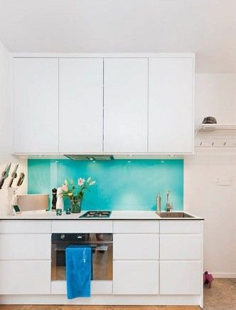 湖蓝色的点缀清新自然,帮助厨房舍弃油腻的不良印象