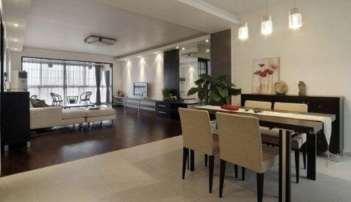 纯白天花,黑色家具,灰色实木地板,入目所及一切都是黑白灰,弥漫着一种低调且清淡的味道
