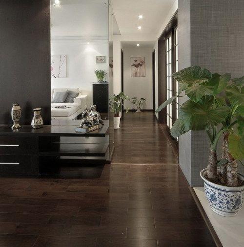 简单的色彩组合,简单的直线条家具,如此的表达,不矫揉不造作,就像一个人不可颠覆的生活习惯
