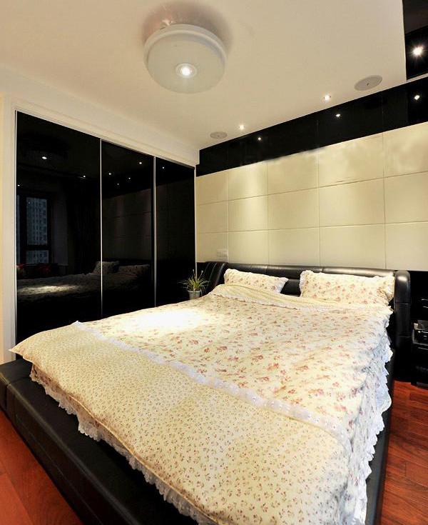 三居新房现代风格80后小资卧室装修效果图片 装修美图 新浪装修家居高清图片