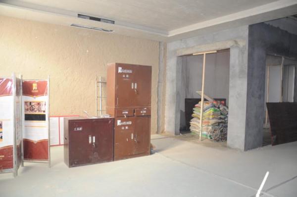 欧式古典装修施工施工现场现场照片工人做工客厅