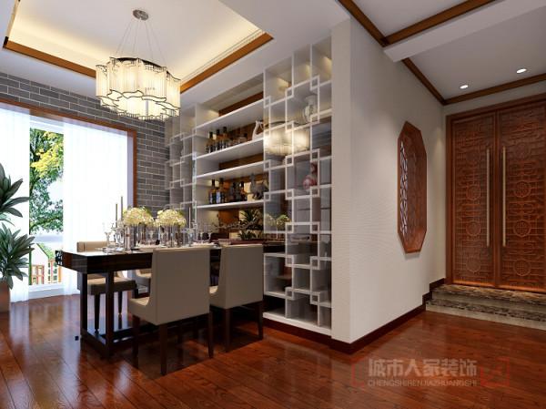 木制地板,古朴的餐桌,配上仿青砖壁纸和铜条顶角线,淳朴中透高清图片