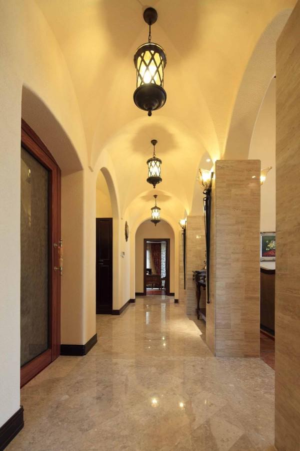 西班牙风格优雅别墅玄关装修效果图片 装修美图 新浪装修家居网看图