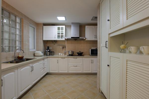 混搭现代美式二居旧房改造厨房装修效果图片_装修美图